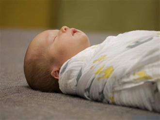 Mẹ sinh con mặt mũi thâm tím vì thói quen ăn uống này trong thai kỳ