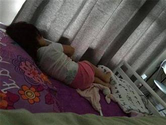 Ngủ 1 mình 1 giường nhưng con gái 9 tuổi luôn miệng kêu chật, xem lại camera mẹ khóc thét