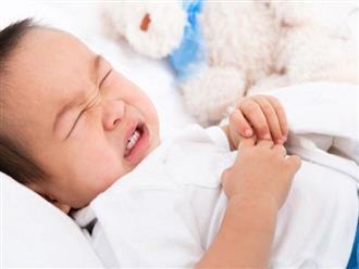 Sai lầm của cha mẹ khiến trẻ táo bón nặng, biến chứng nhiều bệnh