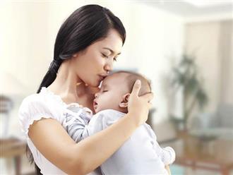 Sai lầm tai hại của mẹ khi chăm trẻ sơ sinh khiến con ốm yếu, khó nuôi