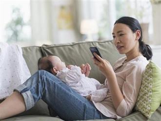 Tác hại khủng khiếp khi mẹ dùng điện thoại di động ở gần con sơ sinh