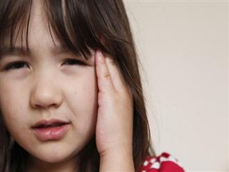 Thấy con thường xuyên có những biểu hiện bất thường này, cha mẹ hết sức cảnh giác, bởi đó chính là dấu hiệu của bệnh u não