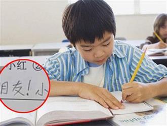 Thầy giáo yêu cầu sắp xếp các từ thành câu có nghĩa, cậu bé viết 1 câu khiến ai nấy cười bò vì nhỏ tuổi đã giỏi thả thính