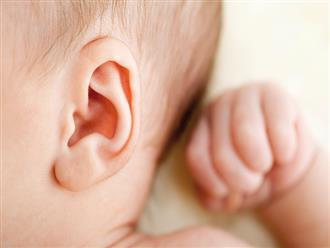 Thổi sáp ong vào tai để chữa viêm tai giữa cho con chính là việc làm cực nguy hiểm