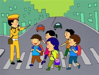 """""""Thót tim"""" chứng kiến cảnh cậu bé bị ô tô """"nuốt chửng"""" khi băng qua đường"""