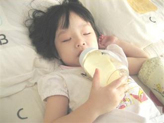"""""""Thủ phạm"""" gây mòn, sún răng sớm: Cha mẹ không muốn con hỏng cả hàm răng thì nên tránh xa"""