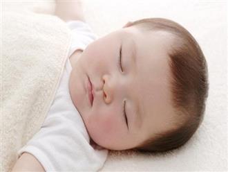 Trẻ 2 tháng tuổi: Quá trình phát triển và cách chăm sóc bé