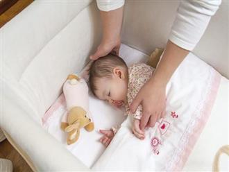 Trẻ sơ sinh 'ngủ ngày, cày đêm' mẹ phải làm sao? Lời khuyên của chuyên gia khiến mẹ chẳng cần lo lắng nữa