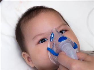 Trẻ sơ sinh thở khò khè như có đờm phải làm sao?