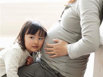 Trẻ thay đổi tâm tính khi mẹ sinh em bé và những biến động tâm lý khác thường của con chưa chắc mẹ đã biết rõ