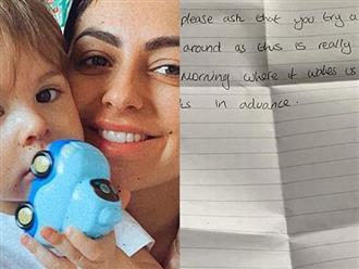 Tự cách ly tại nhà với con trai 2 tuổi, bà mẹ bật khóc khi nhận bức thư hàng xóm gửi qua khe cửa trước khi có lời đáp trả sâu cay