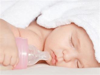 Uống nước có thể khiến trẻ sơ sinh suy dinh dưỡng, ngộ độc