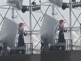 Bất ngờ với giọng hát live của Minh Hằng
