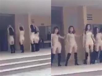 Clip: 5 nữ sinh viên mặc đồ bó sát, nhảy sexy trước mặt hàng trăm học sinh