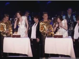 Hồ Ngọc Hà bất ngờ được Kim Lý chúc mừng sinh nhật ngay trên sân khấu tại Mỹ