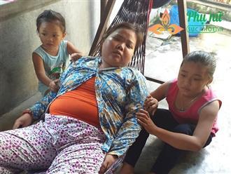 Xót xa người phụ nữ mắc bệnh hư thận bị chồng bỏ rơi, một mình bế tắc nuôi hai con thơ dại