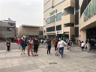 Hà Nội: Tầng cao chung cư bị cháy khiến nhiều người bỏ chạy hoảng loạn