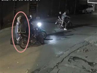 Đặc điểm nhận dạng nhóm cướp xe máy của nữ công nhân gom rác tại Hà Nội