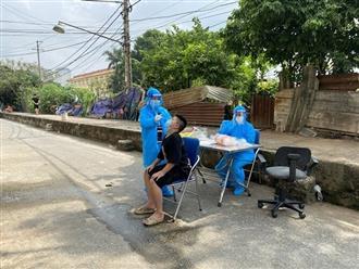 Hà Nội: Phong tỏa một khu chợ vì có ca nhiễm Covid-19 đến mua sầu riêng