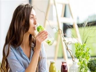 Làm sạch cơ thể tự nhiên bằng bơ, dứa và rau củ có sẵn trong nhà