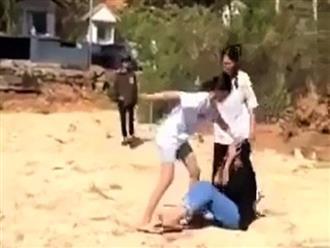 Nhóm nữ sinh đánh nhau dã man tại nghĩa trang ở Lâm Đồng