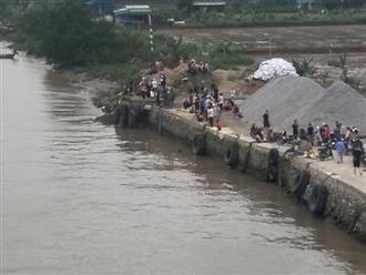 Tai nạn đường thủy, bà mẹ 4 con mất tích trên sông