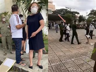 TP.HCM: Khởi tố hai người phụ nữ lao vào nắm tóc, cào cấu cán bộ công an vì không được nhận tiền trợ cấp mùa dịch