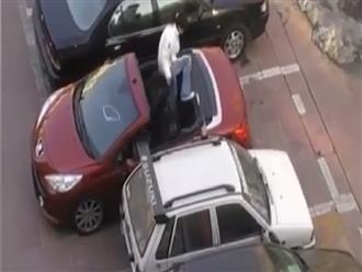Bị cướp chỗ đậu xe 'TRẮNG TRỢN', nữ tài xế liền có hành động 'cao tay' khiến ai cũng phải 'ngã ngửa' trong bất ngờ
