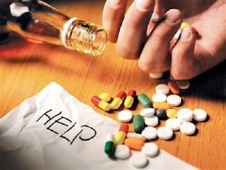 Nếu đã uống 1 trong 5 loại thuốc này thì tuyệt đối không được uống rượu, kẻo tự hại chính mình