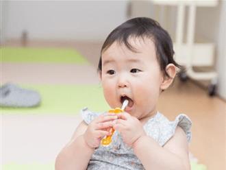 Có một sai lầm khi bé chưa mọc răng rất nhiều bố mẹ mắc phải có thể làm hỏng cả hàm răng vĩnh viễn của trẻ sau này