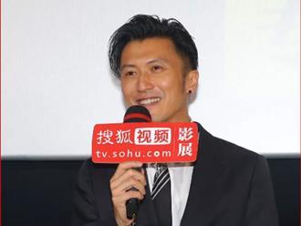 """Tạ Đình Phong lần đầu lộ diện sau tuyên bố không sinh con với Vương Phi, phong độ tuổi 41 khiến chị em """"xỉu up xỉu down"""""""
