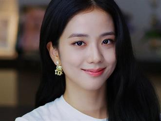 """Nhược điểm nhan sắc """"trí mạng"""" của Jisoo, makeup sơ sẩy là già ngay chục tuổi, lộ visual lão hóa không phanh"""
