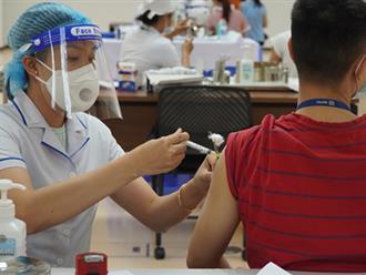 Những ai nên trì hoãn và những ai không được tiêm vaccine Covid-19?