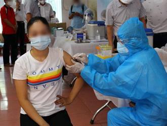 Chuyên gia y tế lý giải thế nào về việc dù đã tiêm vaccine nhưng vẫn mắc COVID-19?