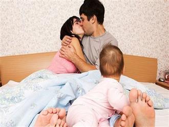 4 bí quyết 'nóng' giúp các cặp vợ chồng ân ái ngay cả khi con nhỏ không rời nửa bước