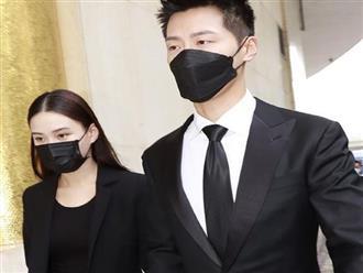 """Các con của Vua sòng bài Macau lần lượt kết hôn để có lợi thế tranh gia tài, ái nữ xinh đẹp nhất vẫn """"bình thản"""" với bạn trai nổi tiếng"""