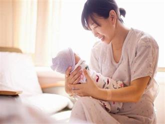 Nếu dự sinh con vào mùa hè sắp tới thì đây là những lưu ý chăm sóc bé sơ sinh mẹ nhất định không được bỏ qua