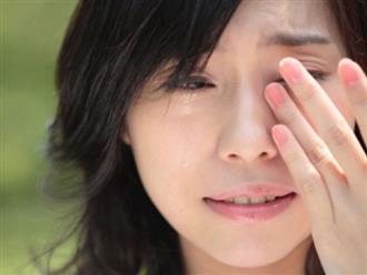 Mẹ đơn thân bỏ con đi lấy chồng, ngày về trào nước mắt khi nghe con nói một câu
