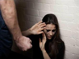 Nghịch lý phụ nữ yêu và gắn bó với kẻ đánh mình