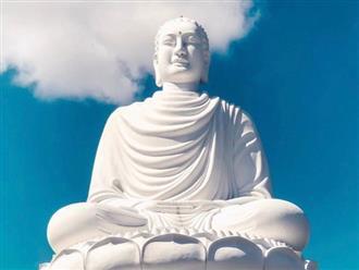 Vô tình làm nứt tượng Phật, ngày hôm sau tất cả mọi người không tin vào mắt mình: Nhân sinh vốn không hoàn hảo, khổ đau chính là món quà cho kẻ khôn ngoan