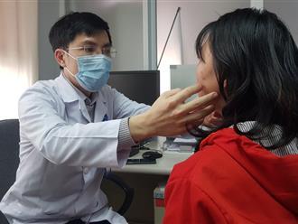 Mong muốn thay đổi vận mệnh, một phụ nữ 'phẫu thuật' tạo hình tai Phật và để lại biến chứng khó lường