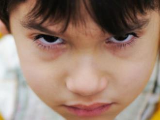 3 điều mẹ làm khiến con có hành vi sai trái