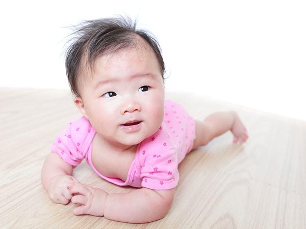 10 tuần khủng hoảng các bé sẽ trải qua trong 2 năm đầu đời