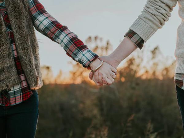 15 lời khuyên để yêu xa không còn là nỗi ám ảnh, riêng điều thứ 6 có thể áp dụng cho tất cả các cặp đôi!
