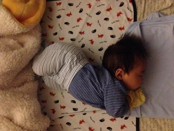 3 biểu hiện khi ngủ chứng tỏ trẻ rất thông minh, sáng dạ