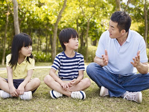 4 câu bố nói tác động tiêu cực đến tâm lý trẻ