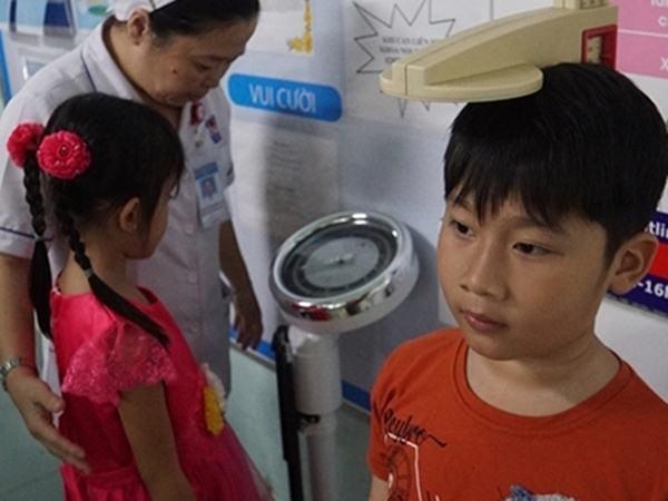 4 sai lầm của mẹ Việt khiến con ngày càng còi cọc, lùn 'một mẩu'