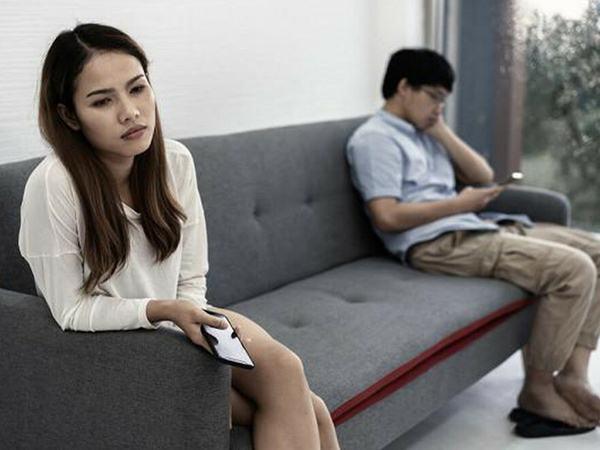 5 thứ cực độc 'ăn mòn' hôn nhân, nhiều vợ chồng vẫn thường làm mỗi ngày