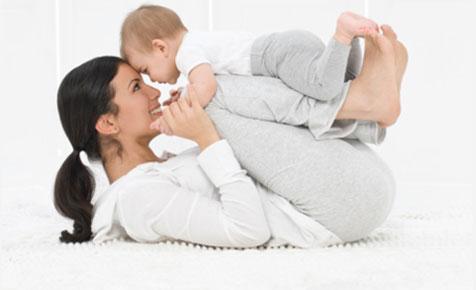 8 hoạt động thú vị vừa giúp bé vui chơi, vừa tập cho trẻ sơ sinh nằm sấp để nhanh cứng cáp - Ảnh 5