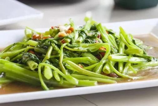 Cách bảo quản qua đêm 5 loại thực phẩm quen mặt ngày Tết, nếu làm sai có thể gây hại cho sức khỏe - Ảnh 1